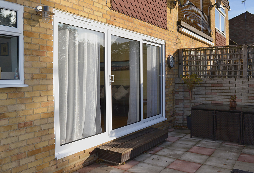Aluminium 3 pane sliding door